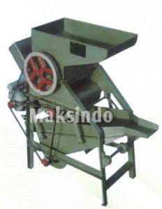 Mesin Pemecah Kulit Kacang